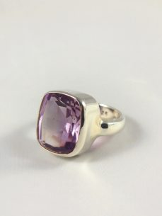 Amethyst Ring facettiert in Idar Oberstein