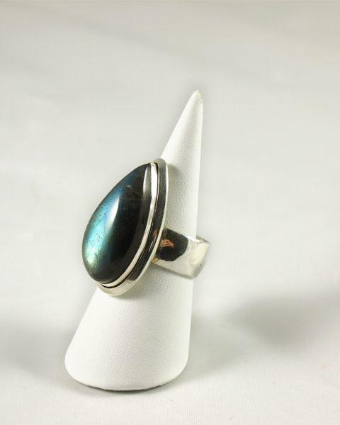 Labradorit Ring mit gutem Blau Singer Wien