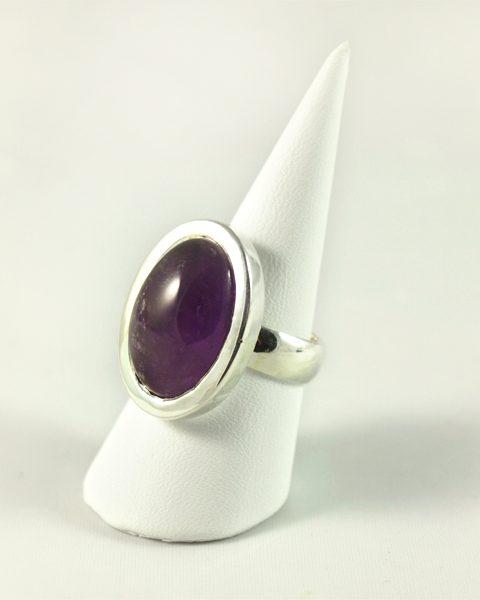 Amethyst Ring, 12, 6 gramm, dunkler stein, oval, schlicht