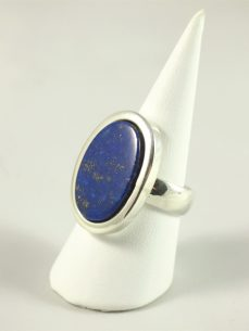 Lapis Lazuli Ring, 13, 5 gramm, ovaler stein, tiefes blau, pyriteinschlüsse