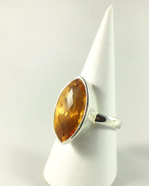 Zitrin Ring, 9,2 gramm, facettenschliff, kräftiges orange