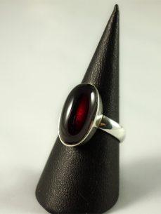 Granat Ring, 6 gramm, sehr schöne längliche form, edel