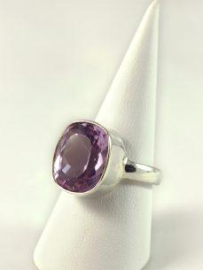 Amethyst Ring, 7 gramm, facettiert, fliederfarben,