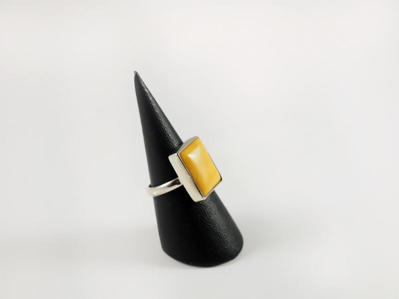 Bernstein Ring, 4,1 gramm, Naturbernstein, rechteckige form,polen