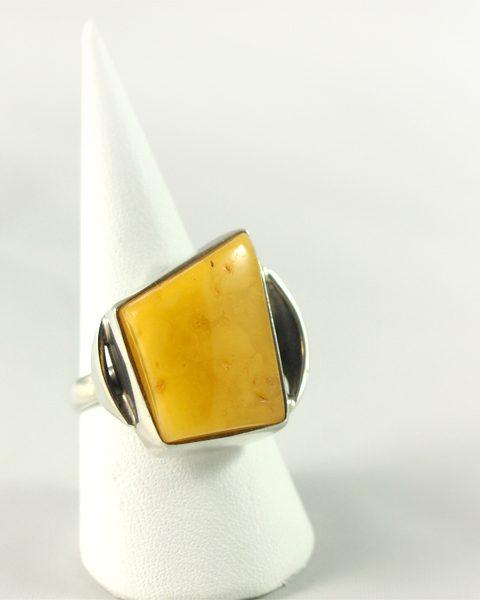 Bernstein Ring, 9,7 gramm, butterscotch, free form