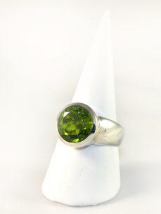 Peridot- Olivin Ring, 10,1 gramm, sattes grün, facettiert, rund