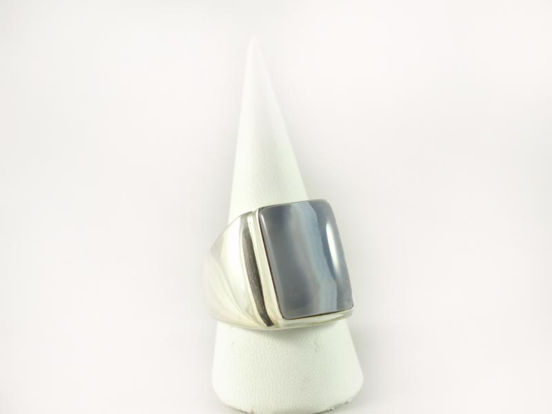 Chalcedon Ring, 21,3 gramm, rechteckig, breiter steg