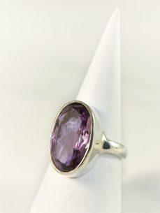 Amethyst Ring, 7,1 gramm, länglich,schliff, transparenz