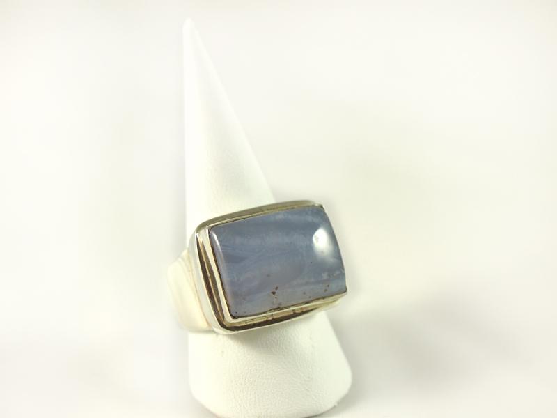 Chalcedon Ring, 17, 7 gramm, quer, großer stein