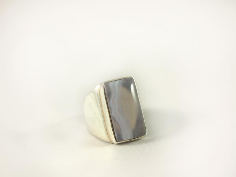Chalcedon Ring, 22,6 gramm, silber, länglicher stein,
