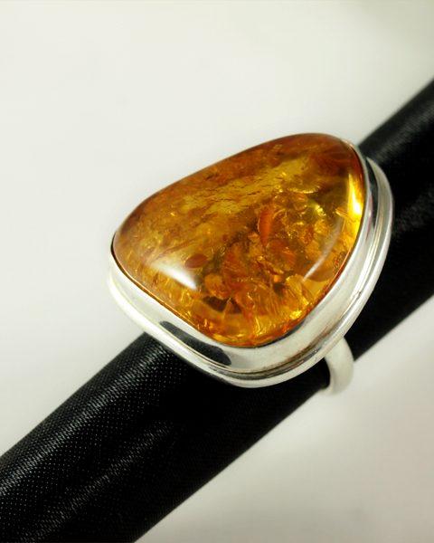 Bernstein Ring, 8 gramm, helles gelb, stufenfassung, breit