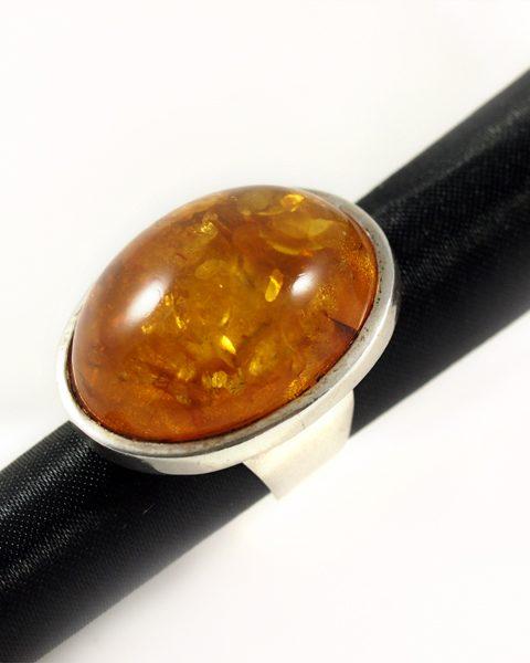 Bernstein Ring , 15,3 gramm, oval, grosser stein, breiter steg
