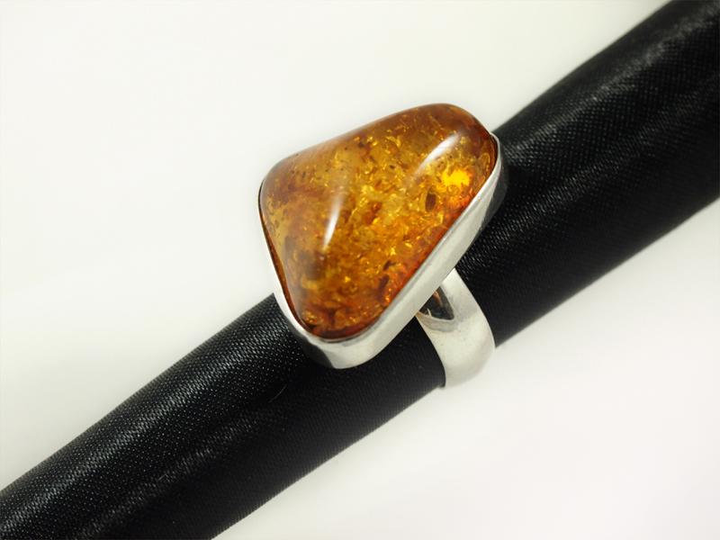 Bernstein Ring, 11,8 gramm, honiggelb, grosser stein,