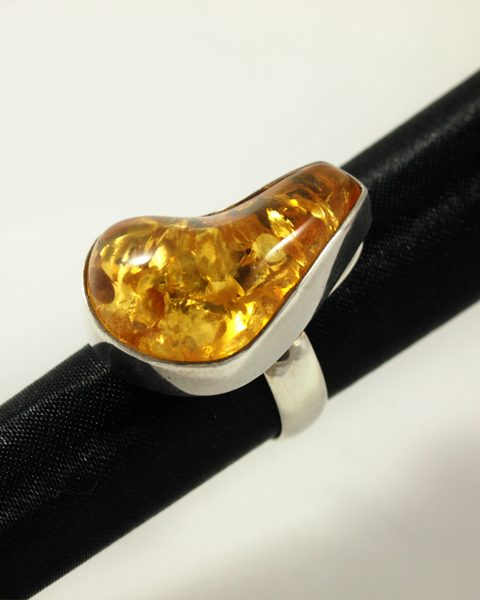 Bernstein Ring, 12.3 gramm, afrika, hellgelb, breiter steg