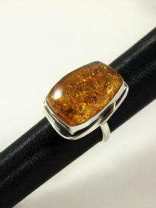 Bernstein Ring, 9 gramm, rechteckig, honiggelb, formschön