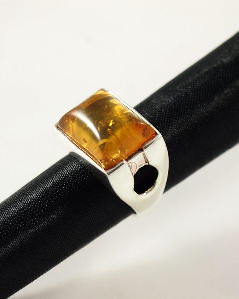 Bernstein Ring, 11,7 gramm, heller, klarer stein, design, breiter ringsteg