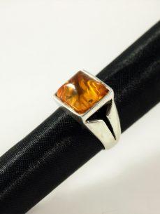 Bernstein Ring, 7,5 gramm, eleganter ringsteg, klassisches gelb, rechteckig