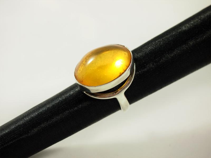 Bernstein Ring, 7,2 gramm, kastenfassung, zitronengelb, ovaler stein