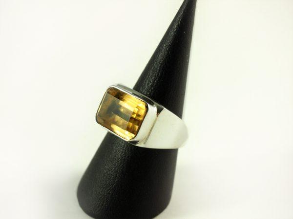 Zitrin Ring, 11,9 gramm, breiter steg, facettiert, natur