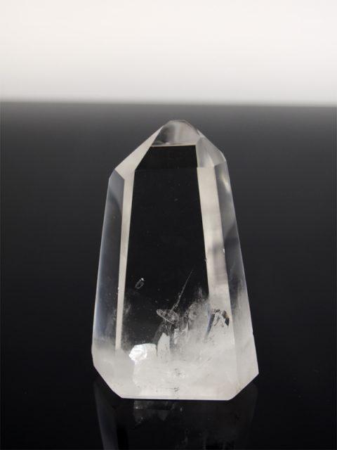 Bergkristall Spitze klar und gut poliert