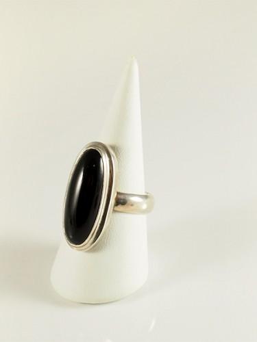 Onyx, schlanke form, treppen fassung, silber
